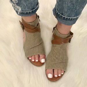 Shoes - 1 left!! Distressed Sandal with  Ankle Buckle